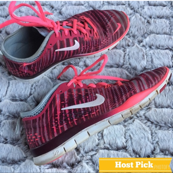 best authentic 7351a 29069 Nike FREE 5.0 Hot Pink Zebra Striped Sneakers. M 5b33ec493c98447c539607cf
